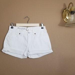 Madewell || white denim rolled hem shorts